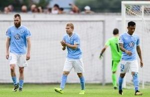 Officiellt Oscar Lewicki förlänger med Malmö FF