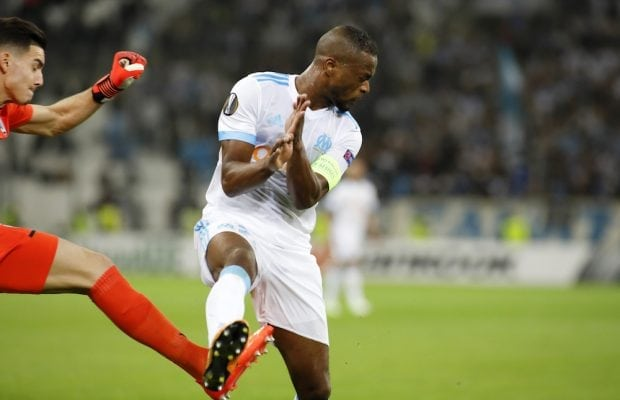 Officiellt: Patrice Evra skriver på för West Ham United
