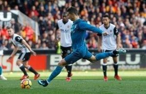 Uppgifter: Cristiano Ronaldo skriver nytt kontrakt med Real Madrid