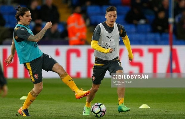 Hector Bellerin kan stanna i Arsenal