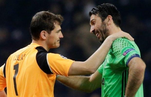 Iker Casillas på väg till Liverpool