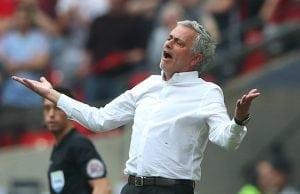 Manchester United siktar in sig på två vänsterbackar
