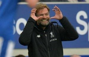 Marouane Fellaini erbjuds treårskontrakt – av Liverpool