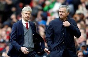 Jose Mourinho öppnar för att stanna längre i United