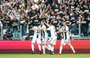 Officiellt: Juventus värvar Douglas Costa permanent