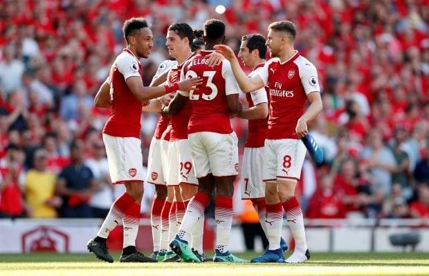 Arsenal fortfarande ute efter mittfältarna