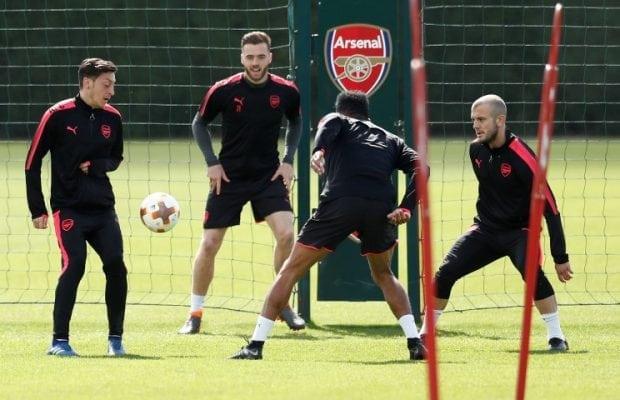 Chambers förlänger med Arsenal