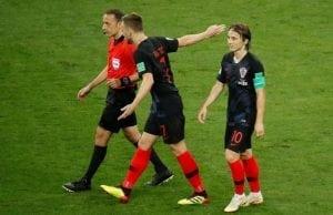 PSG vill sno stjärnorna från Barca