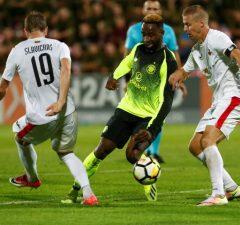 Moussa Dembele lämnar för Ligue 1