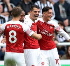 Everton jagar Aaron Ramsey