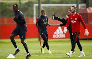 Uppgifter: Martial nobbar storklubbarna för att stanna i United