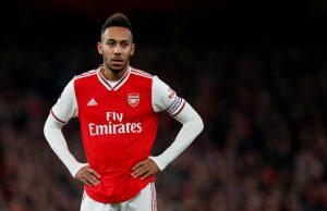 Uppgifter- Arsenal lägger i högre växel för att förlänga med Aubameyang