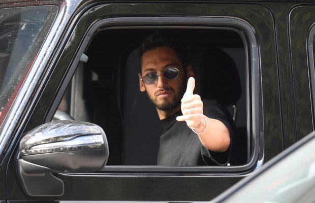 Uppgifter: AC Milan jobbar på att förlänga med Hakan Calhanoglu